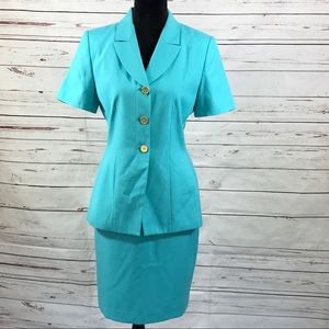 Le Suit 2PC Skirt Suit Top Short Sleeves Size 6